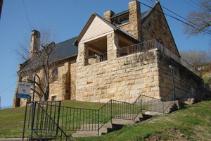 Photo of the St. Thomas Episcopal Church build with chiseled mason stone.